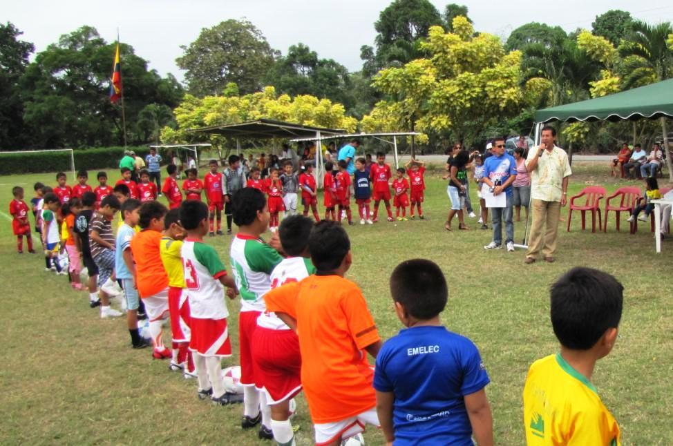 Permanente acercamiento del Alcalde Paco Asán con la comunidad