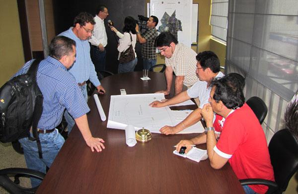 Coordinan acciones referentes al avance de la obra de rehabilitación del ferrocarril y su paso por Milagro