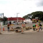 Reparación de áreas deterioradas en intersección de avenidas