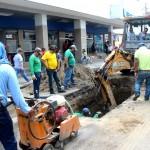 Daño en antigua tubería produjo  hundimiento en la Juan Montalvo