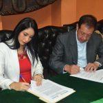 Municipio y Junta Nacional  de Artesanos firman convenio