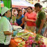 Feria artística, gastronómica y artesanal en estación del tren