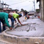 Fundición de aceras en calle Río Marañón