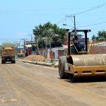 Primeras capas de material nuevo en  calles de programa de pavimentación