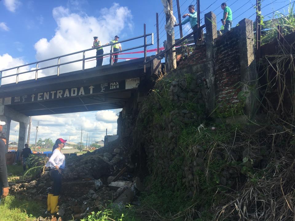Empresa concesionaria de puente a desnivel trabaja en su reparación