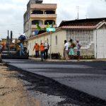 Se asfaltan 453 metros lineales de avenida Tarqui