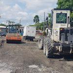 Reconformación vial y limpieza de canal