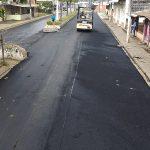 Inició pavimentación de dos carriles de calle Pedro Carbo