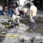 Reparan red de aguas residuales colapsada  en calles 12 de Febrero y García Moreno