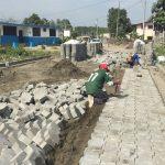 Chobo celebra progreso con el adoquinado de sus calles