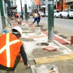Colocan adoquines de colores en aceras de calle Andrés Bello