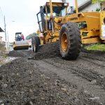 Mejoran estado de vías en La Pradera y Cantos Loor