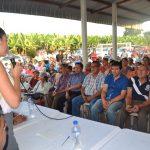 ALCALDESA GESTIONÓ SERVICIO DE TRANSPORTACIÓN EN BUSES PARA  LOS MORADORES DE RECINTO EL CAMPAMENTO