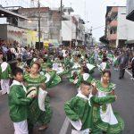Con desfile de comparsas los niños rindieron honores a Milagro