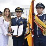 Alcaldesa felicita a nuevos abanderados en actos cívicos por Día de la Bandera