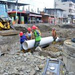 Instalan tuberías en segundo tramo de avenida Colón en regeneración