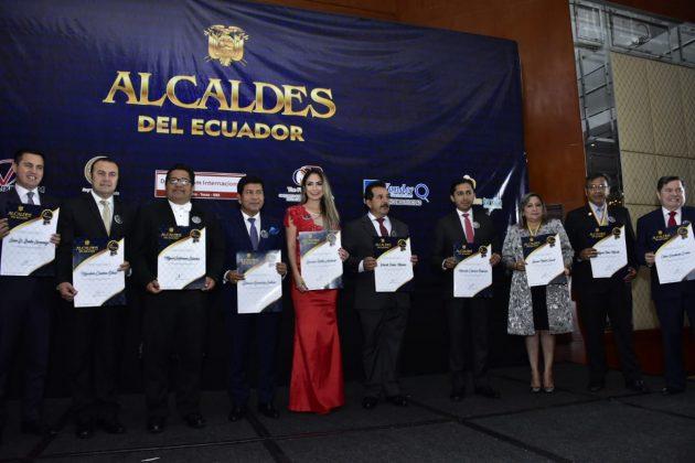 Denisse Robles destacada entre los mejores Alcaldes de todo el país