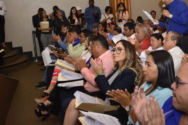 Alcaldesa Denisse Robles participó en la designación del nuevo Viceprefecto del Guayas