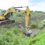 Limpian canal de aguas lluvias al suroeste y construyen ducto cajón en Margarita 2
