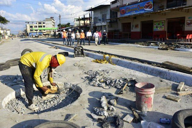 Alcaldesa supervisa avances de asfaltados y regeneración urbana
