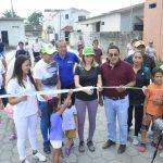 Alcaldesa inauguró adoquinado en Albricias y socializó obras en ejecución en Las Piñas