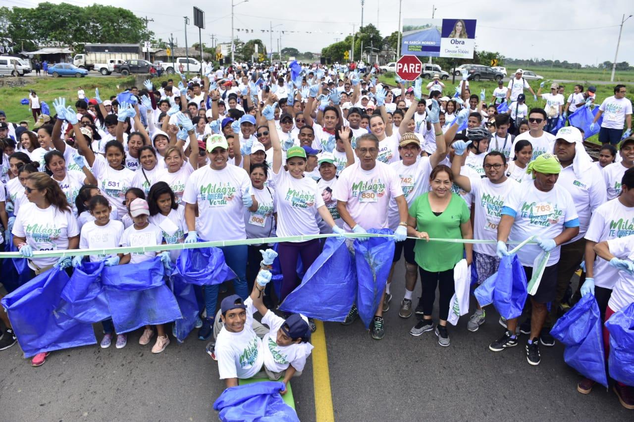 Se inauguraron 4,5 km de asfaltado calle García Moreno con carrera ecológica y siembra de plantas