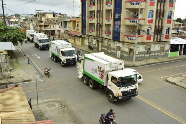6 recolectores de basura y 2 volquetas nuevas para el Municipio de Milagro
