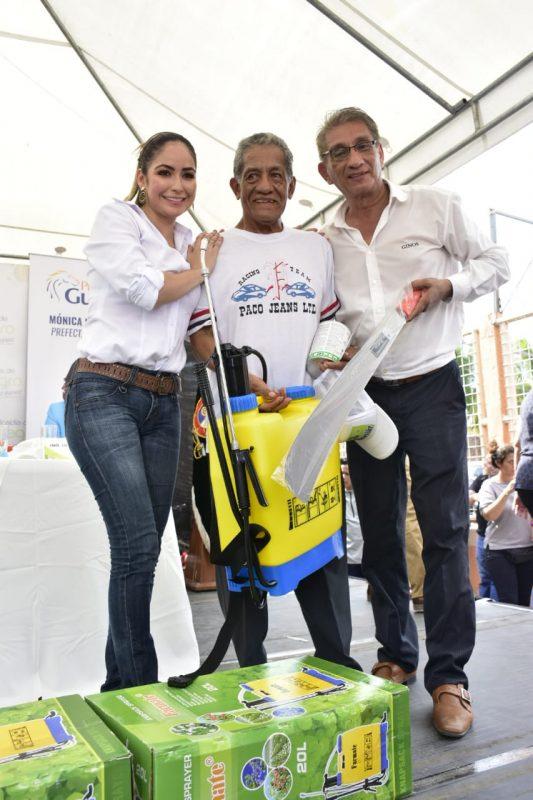 Se entregaron 300 kits para campesinos en Mariscal Sucre