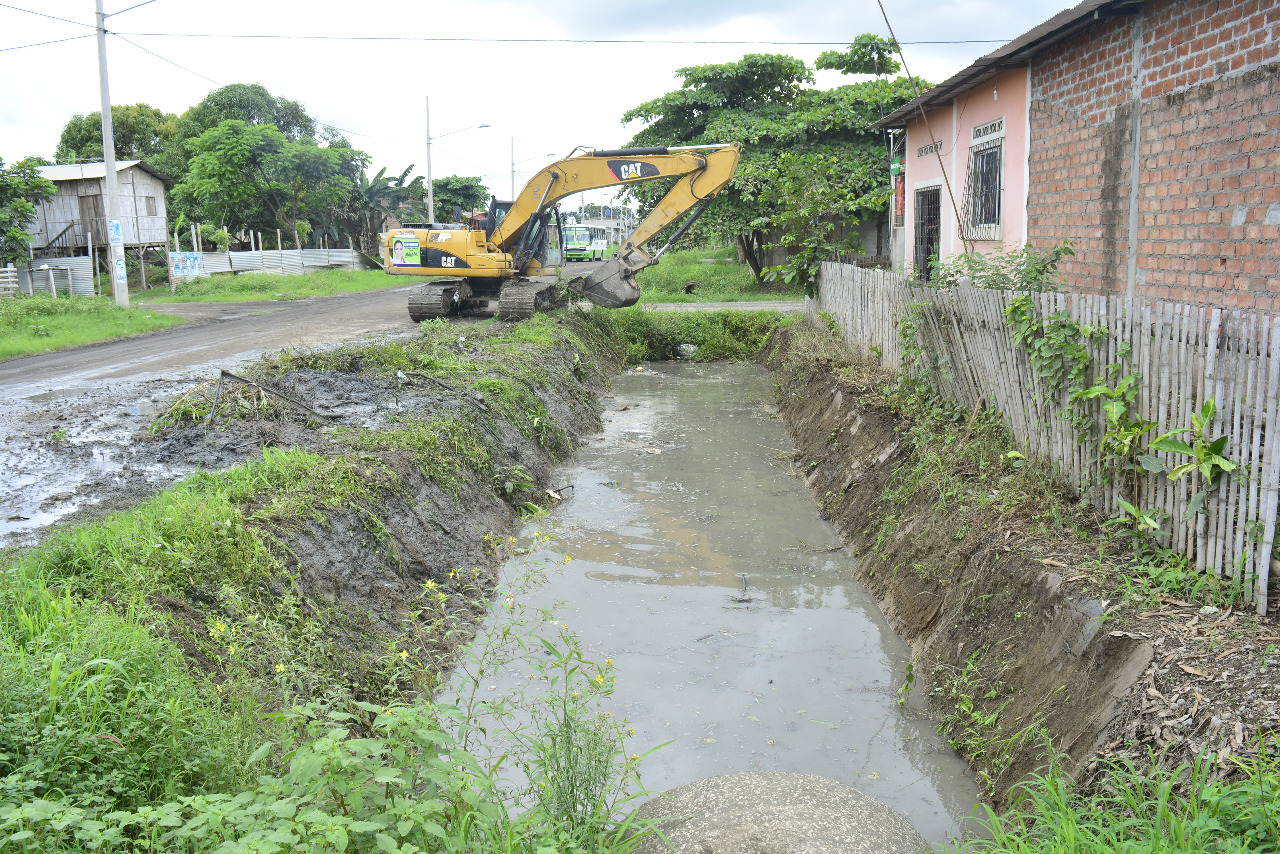 Limpieza de canales agilizan el drenaje de las aguas lluvias